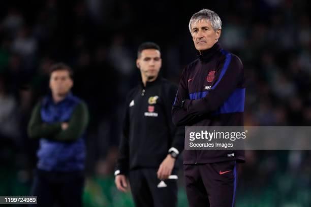 coach Ernesto Valverde of FC Barcelona during the La Liga Santander match between Real Betis Sevilla v FC Barcelona at the Estadio Benito Villamarin...