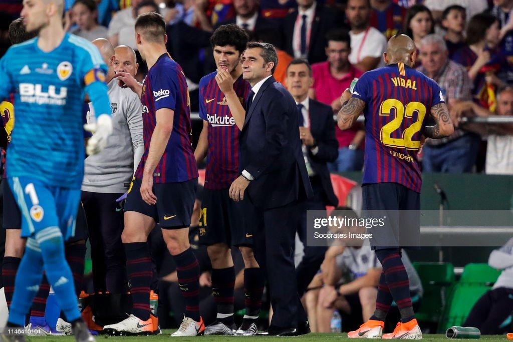 FC Barcelona v Valencia - Spanish Copa del Rey : News Photo