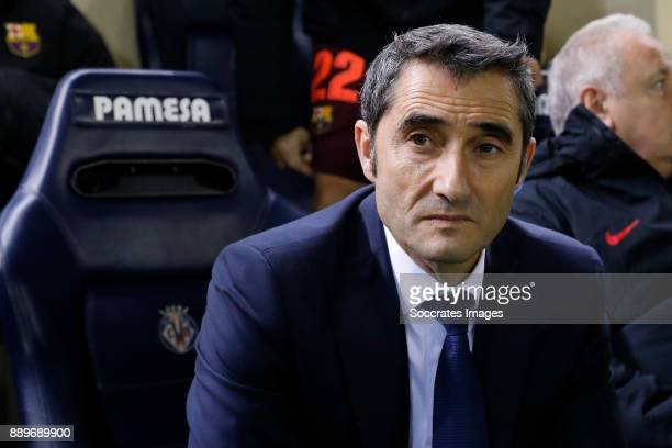 coach Ernesto Valverde of FC Barcelona during the Spanish Primera Division match between Villarreal v FC Barcelona at the Estadio de la Ceramica on...