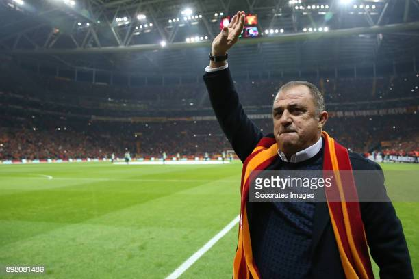 coach Fatih Terim of Galatasaray during the Turkish Super lig match between Galatasaray v Goztepe at the Turk Telekom Stadium on December 24 2017 in...