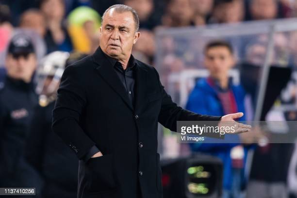 coach Fatih Terim of Galatasaray SK during the Turkish Spor Toto Super Lig football match between Fenerbahce AS and Galatasaray AS at the Sukru...