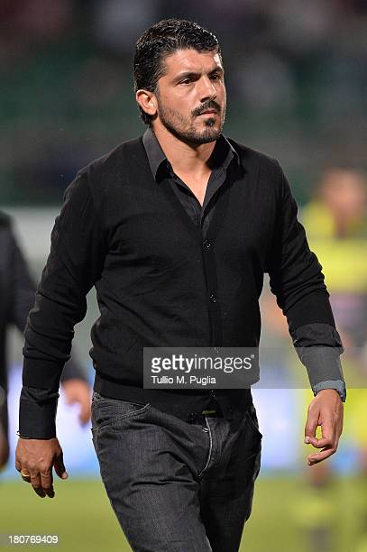 Coach Gennaro Gattuso of Palermo looks on during the Serie B match between US Citta di Palermo and AC Cesena at Stadio Renzo Barbera on September 13...