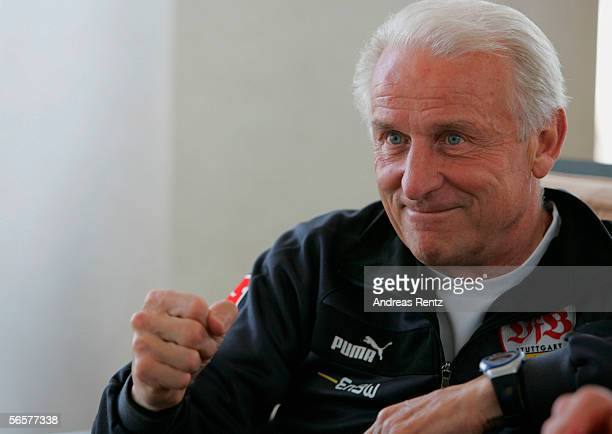 Coach Giovanni Trapattoni of German Bundesliga club VFB Stuttgart gestures during a photocall on January 12 2006 at their training camp in Dubai...