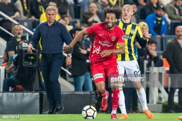 coach Hamza Hamzaoglu of Antalyaspor Nazim Sangare of Antalyaspor AS Aatif Chahechouhe of Fenerbahce SK during the Turkish Spor Toto Super Lig match...