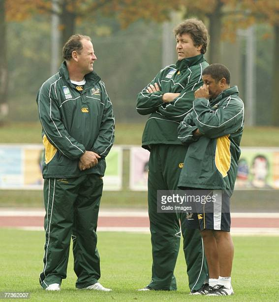 Coach Jake White Gert Smal and Alister Coetzee during the South Africa training session at the Stade Alain Mimoun on October 17 2007 in Noisy Le...