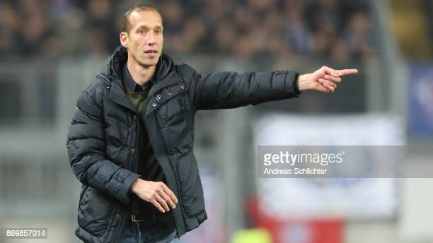 Coach Jeff Strasser of FC Kaiserslautern during the Second Bundesliga match between 1 FC Kaiserslautern and VfL Bochum 1848 at FritzWalterStadion on...