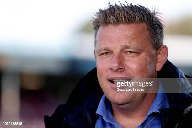 coach John Stegeman of Go Ahead Eagles during the Dutch Keuken Kampioen Divisie match between Go Ahead Eagles v Roda JC at the De Adelaarshorst on...