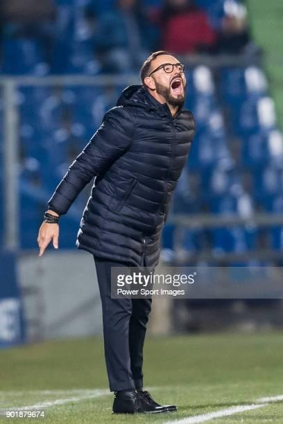 Coach Jose Bordalas Jimenez of Getafe CF shouts during the La Liga 201718 match between Getafe CF and UD Las Palmas at Coliseum Alfonso Perez on...