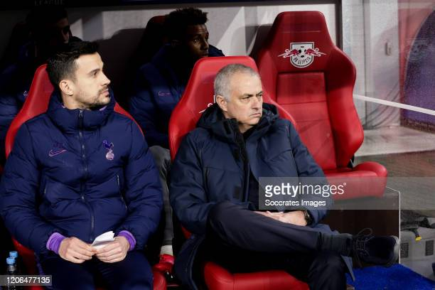 Coach Jose Mourinho of Tottenham Hotspur during the UEFA Champions League match between RB Leipzig v Tottenham Hotspur at the Red Bull Arena on March...