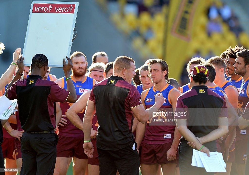 AFL Rd 21 - Brisbane v Carlton : News Photo