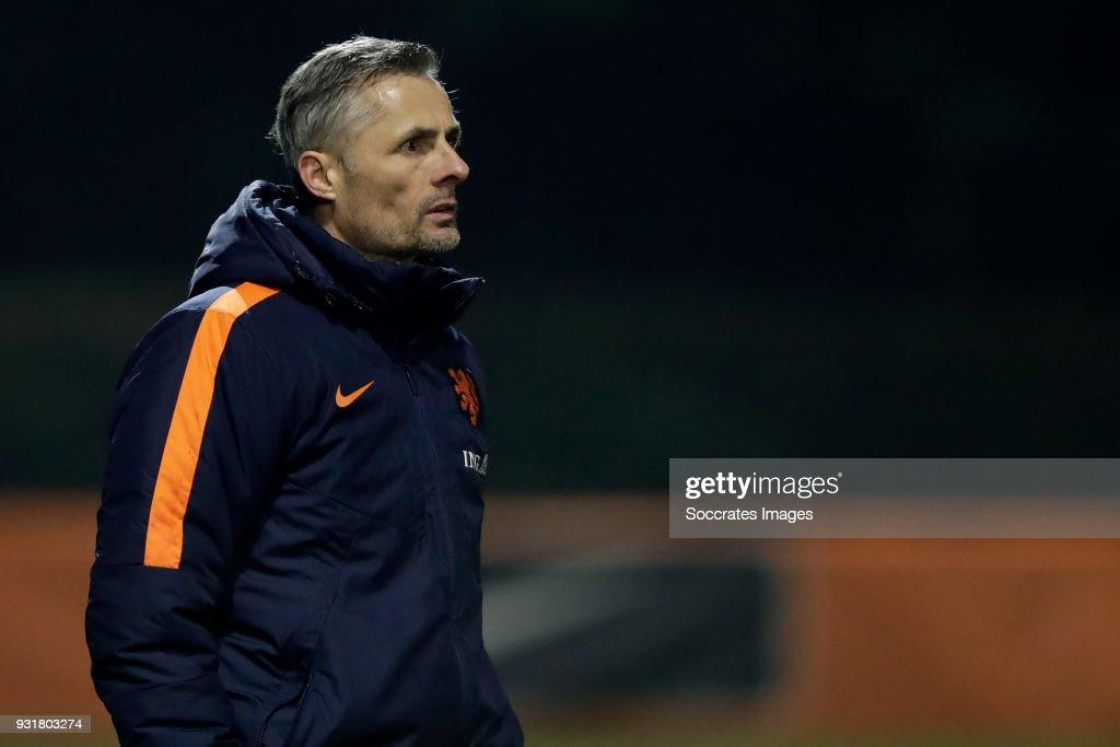 coach Kees van Wonderen of Holland U17 during the match between Turkey U17 v Holland U17 at the Sportpark Parkzicht on March 13, 2018 in Uden Netherlands