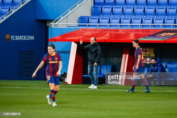 Coach Lluis Cortes of FC Barcelona during the UEFA Champions League Women match between PSV v FC Barcelona at the Johan Cruyff Stadium on December...
