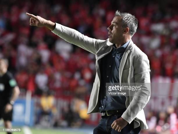Coach Lucas Pusineri of Cali gestures during a match between America de Cali and Deportivo Cali as part of Liga Aguila II 2019 at Estadio Pascual...