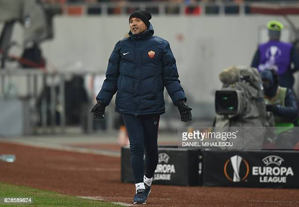 Coach Luciano Spalletti of AS Roma reacts during the UEFA Europa League Group E football match between FC Astra Giurgiu and AS Roma in Bucharest on...