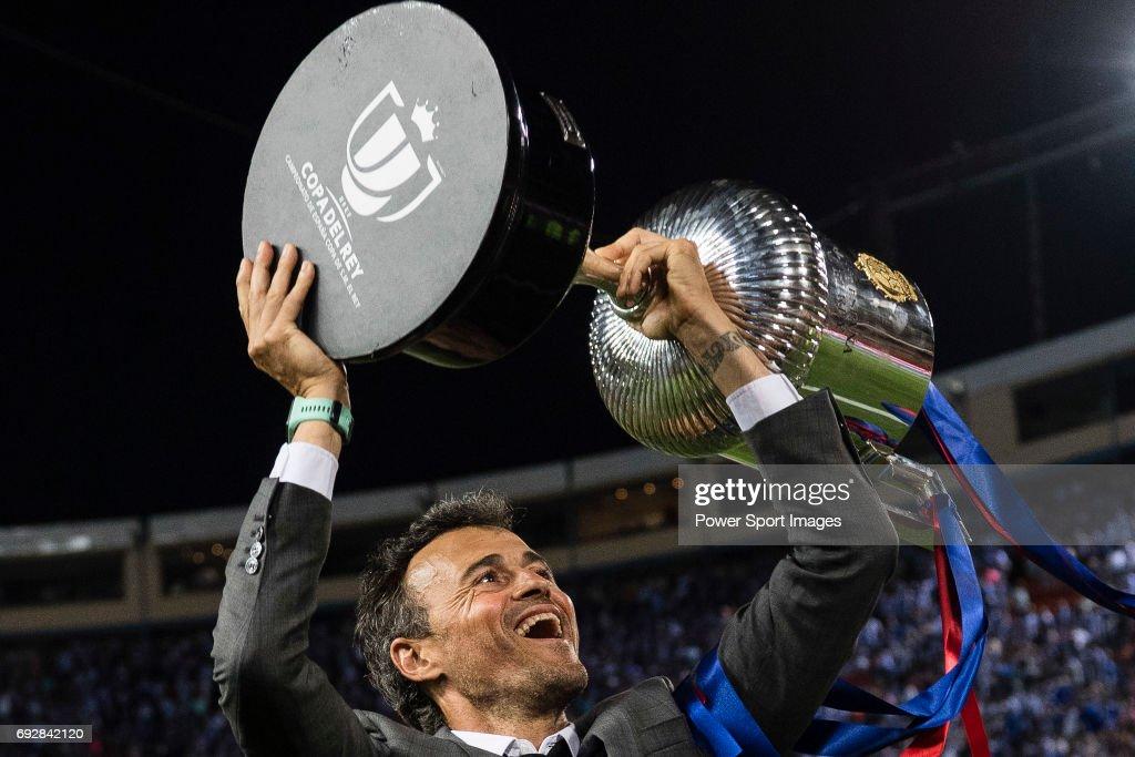 FC Barcelona vs Deportivo Alaves - Copa Del Rey Final : News Photo