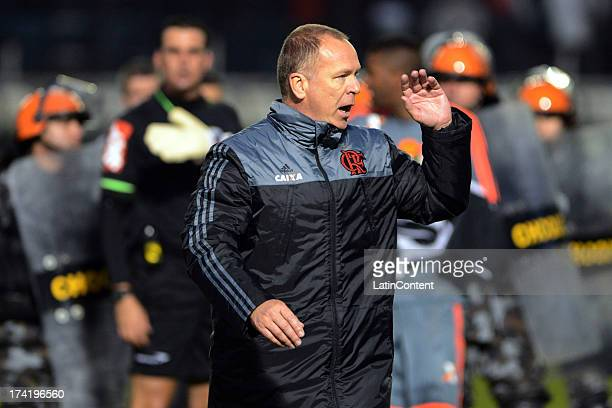 Coach Mano Menezes of Flamengo during a match between Flamengo and Internacional as part of the Brazilian Serie A championship at Centenario stadium...