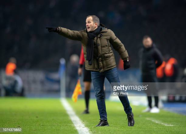 Coach Manuel Baum of FC Augsburg during the Bundesliga match between Hertha BSC and FC Augsburg at Olympiastadion on December 18, 2018 in Berlin,...