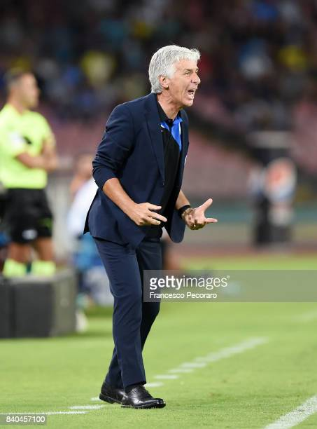 Coach of Atalanta BC Gianpiero Gasperini gestures during the Serie A match between SSC Napoli and Atalanta BC at Stadio San Paolo on August 27 2017...