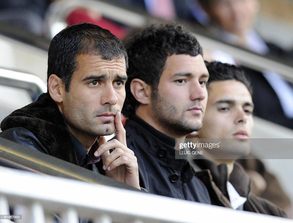 Coach of Barcelona's second team Pep Gua : News Photo
