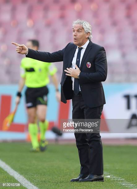 Coach of Bologna FC Roberto Donadoni looks on during the serie A match between SSC Napoli and Bologna FC at Stadio San Paolo on January 28 2018 in...