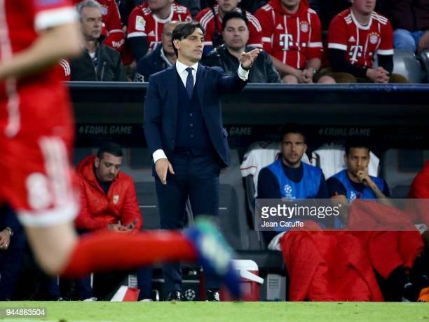Coach of FC Sevilla Eduardo Berizzo during the UEFA Champions League Quarter Final second leg match between Bayern Muenchen and FC Sevilla at Allianz...