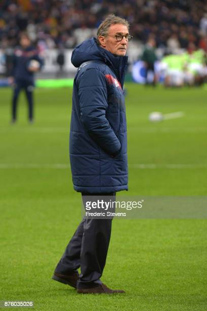 Coach of France Guy Noves before the test match between France and South Africa at Stade de France on November 18 2017 in Paris France