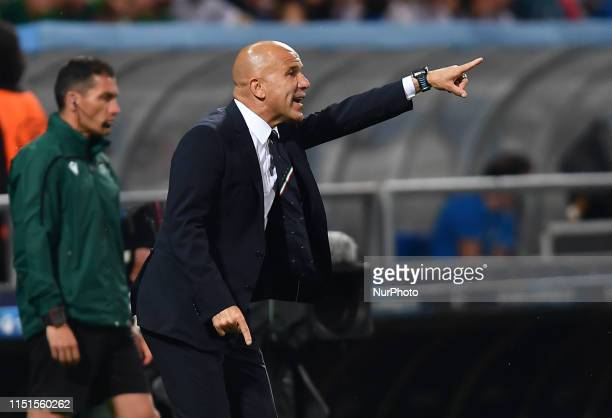 Coach of Italy Luigi Di Biagio gives istruction during the EURO U21 match between Belgium v Italy at the MAPEI Stadium - Città del Tricolore on June...