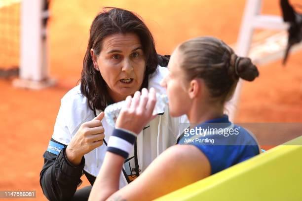 Coach of Karolina Pliskova of Czech Republic Conchita Martinez gives her instructions during her match against Katerenya Kozlova of Ukraine during...