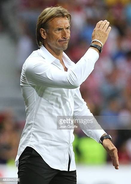 Coach of Lille Herve Renard reacts during the French Ligue 1 match between Lille OSC and Paris SaintGermain at Grand Stade Pierre Mauroy on August 7...