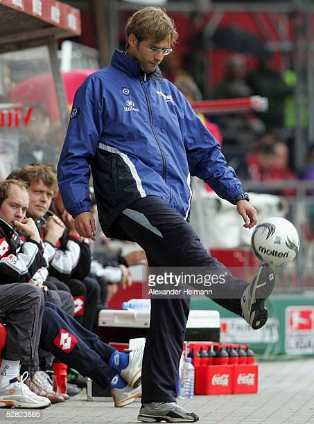 Coach of Mainz v juggles the ball during the Bundesliga match between FSV Mainz 05 and 1FC Kaiserslautern at the Bruchweg Stadium on May 14 2005 in...