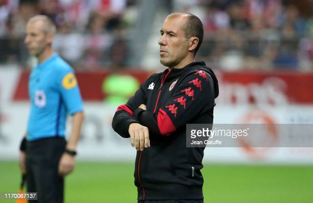 Coach of Monaco Leonardo Jardim looks on during the Ligue 1 match between Stade de Reims and AS Monaco at Stade Auguste Delaune on September 21, 2019...