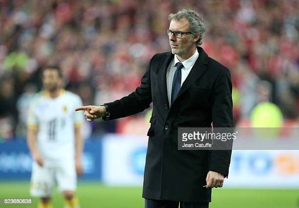 Coach of PSG Laurent Blanc looks on during the French League Cup final between Paris SaintGermain and Lille OSC at Stade de France on April 23 2016...
