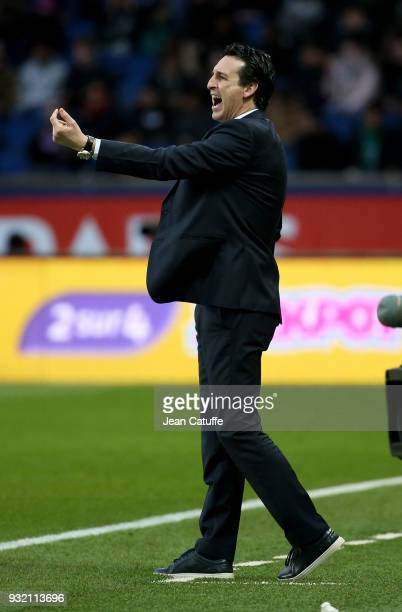 Coach of PSG Unai Emery during the French Ligue 1 match between Paris Saint Germain and SCO Angers at Parc des Princes stadium on March 14 2018 in...