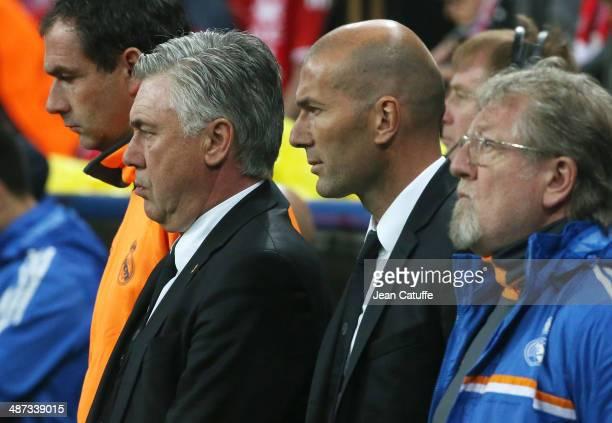 Coach of Real Madrid Carlo Ancelotti and Assistantcoach of Real Madrid Zinedine Zidane attend the UEFA Champions League semifinal second leg match...