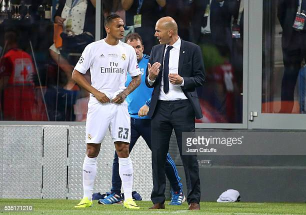 Coach of Real Madrid Zinedine Zidane gives his instructions to Danilo Luiz da Silva of Real Madrid during the UEFA Champions League final between...