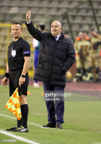 Coach of Russia Stanislav Cherchesov gestures during the 2020 UEFA European Championships group I qualifying match between Belgium and Russia at King...
