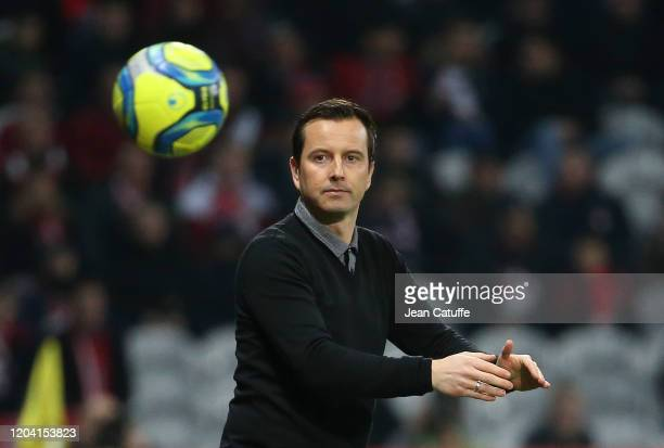 Coach of Stade Rennais Julien Stephan during the Ligue 1 match between Lille OSC and Stade Rennais at Stade Pierre Mauroy on February 4, 2020 in...