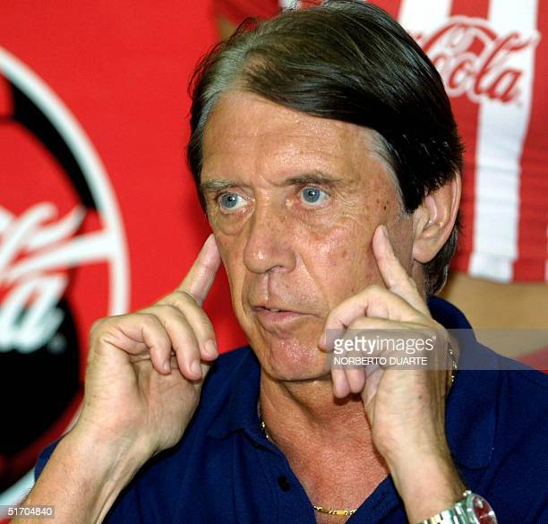 Coach of the paraguayan soccer team italian Cesare Maldini speaks at a press conference 11 march 2002 in Asuncion AFP PHOTO/Norberto Duarte
