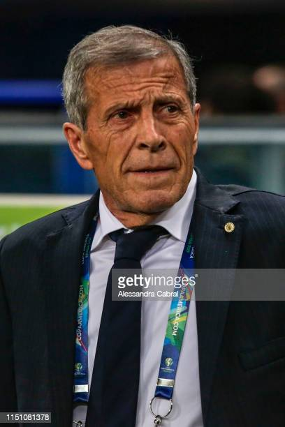 Coach Oscar Tabarez of Uruguay looks on before the Copa America Brazil 2019 group C match between Uruguay and Japan at Arena do Gremio on June 20...