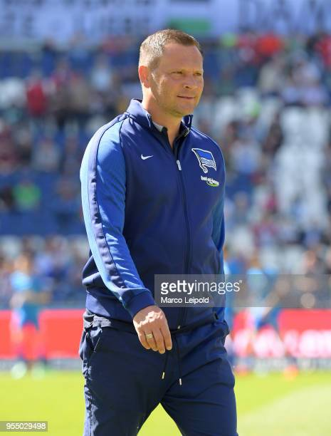 coach Pal Dardai of Hertha BSC before the Bundesliga game between Hannover 96 and Hertha BSC at HDI Arena on May 5 2018 in Hannover Germany