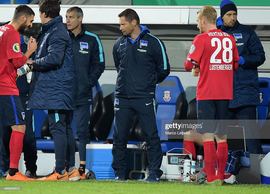 Coach Pal Dardai of Hertha BSC during the game between FSV Frankfurt and Hertha BSC on October 27, 2015 in Frankfurt on Main, Germany.