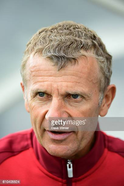 PSG coach Patrice Lair during the women's French D1 league match between PSG and Olympique de Marseille at Camp des Loges on September 25 2016 in...