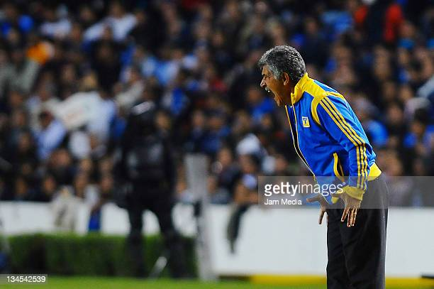 Coach Ricardo Ferretti of Tigres during a semi final match as part of the Apertura 2011 at the Corregidora Stadium on December 01 2011 in Queretaro...