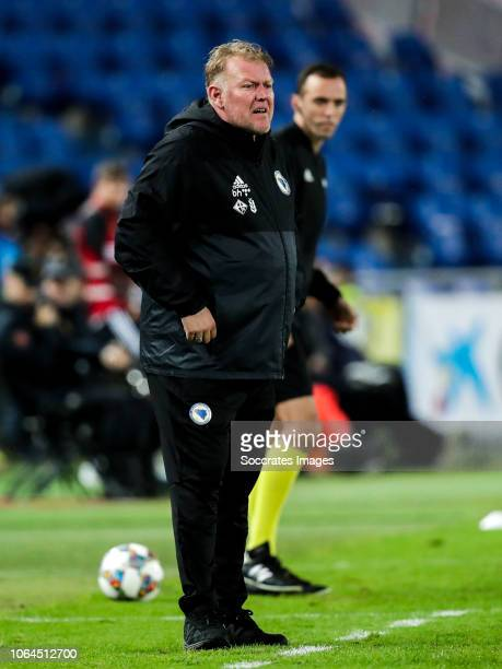 Coach Robert Prosinecki of Bosnia and Herzegovina during the UEFA Nations league match between Spain v Bosnia and Herzegovina at the Estadio de Gran...