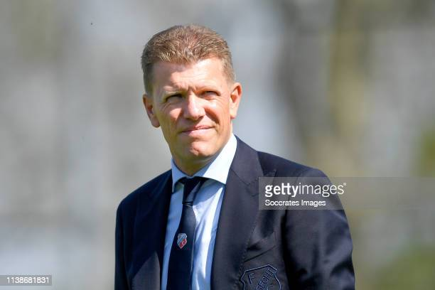 coach Robin Pronk of FC Utrecht U23 during the Dutch Keuken Kampioen Divisie match between Utrecht U23 v FC Volendam at the Sportpark Zoudenbalch on...