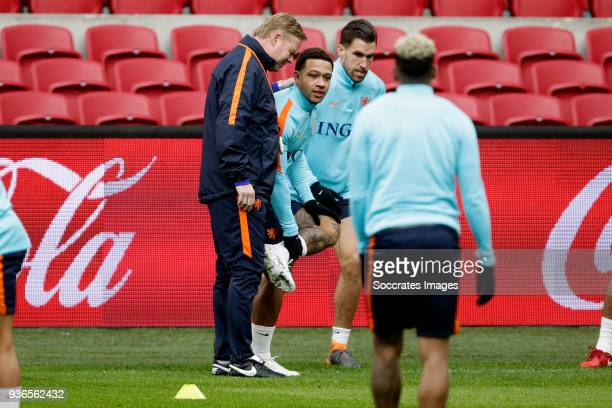 coach Ronald Koeman of Holland Memphis Depay of Holland during the Training Holland at the Johan Cruijff Arena on March 22 2018 in Amsterdam...