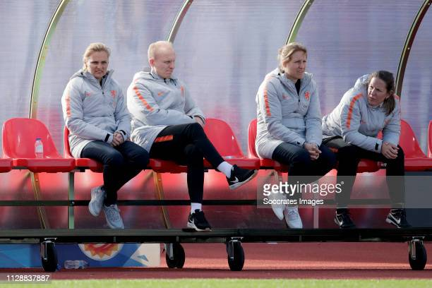 Coach Sarina Wiegman of Holland Women, assistant trainer Arjan Veurink of Holland Women during the Algarve Cup Women match between China PR v Holland...