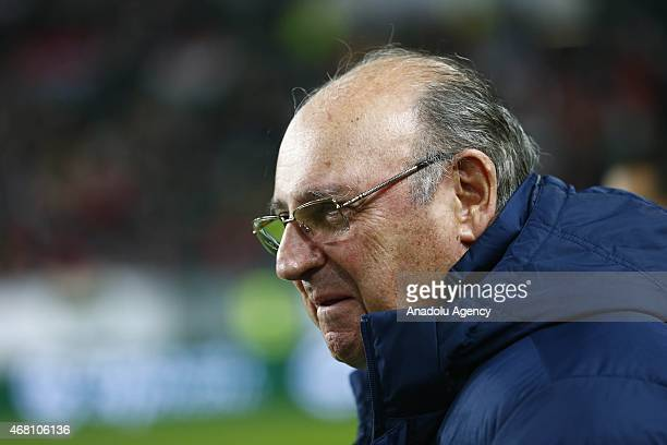 Coach Sergio Markarian of Greece gestures to the players during their Euro 2016 qualification soccer match against Hungary at Grupama Arena in...