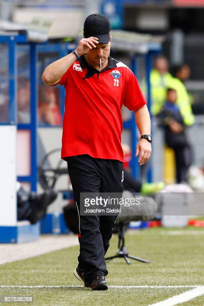 Coach Steffen Baumgart of Paderborn during the 3 Liga match between SC Paderborn 07 and SG Sonnenhof Grossaspach at Benteler Arena on August 5 2017...