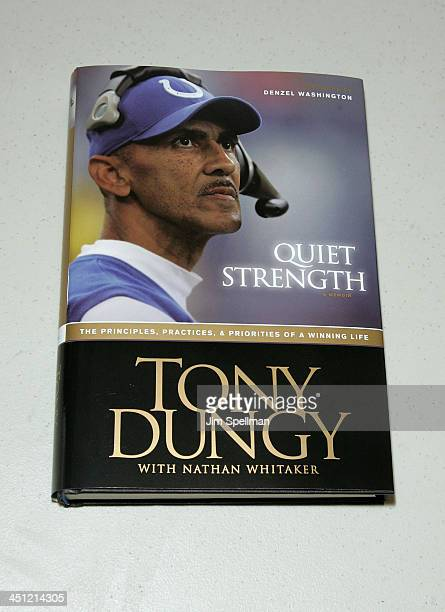 Coach Tony Dungys Book Quiet Strength At Bookends In Ridgewood, New Jersey On July 13, 2007